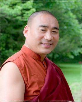 Khentrul_Lodro_Thaye_Rinpoche